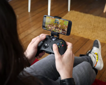 How to connect a Xbox controller to Fortnite Mobile
